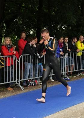 Triathlon Ingolstadt Torsten Neufeld Schwimmausstieg
