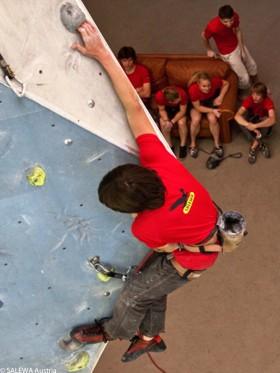 Klettern lernen in der Halle