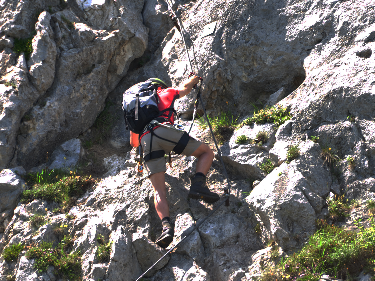 Klettersteigset Tipps : Die klettersteigausrüstung kann das treiben am eisenweg erleichtern