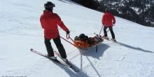 Rettung-Skipiste-Ski