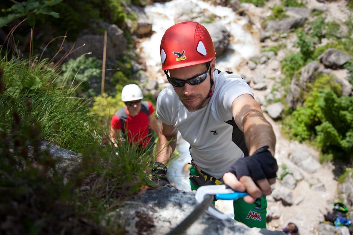 Klettersteigset Sportler : Klettersteig: ausrüstung gefahren kinder und anforderungen