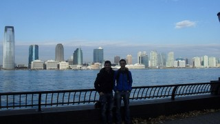 Emanuel mit Benjamin nach seiner Ankunft in Miami.