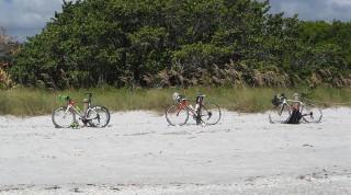 Die Rennräder nahmen Emanuel und seine Begleiter gleich mit nach Florida.