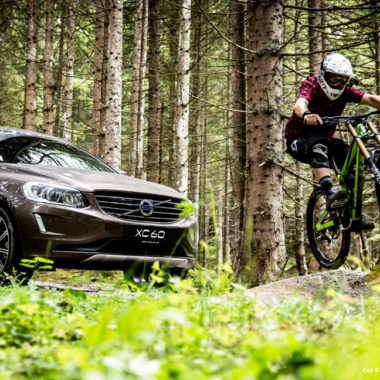 volvo-bikecamp-wheelie