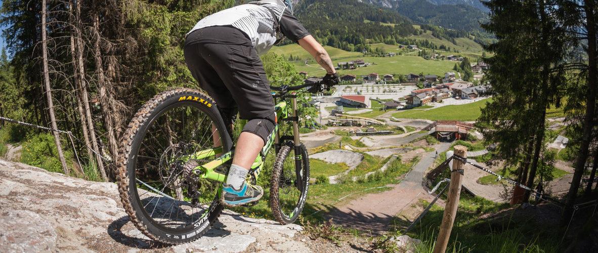 Mit Der Richtigen Downhill Fahrtechnik Den Bikepark Erobern
