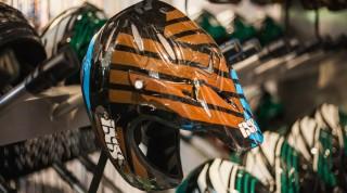Immer obligatorisch: der Downhill Helm.