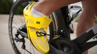 Ein Rennradschuh für Triathleten: der Mavic Tri Helium.