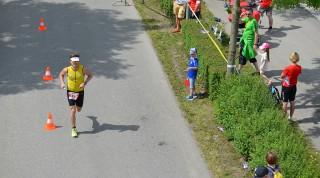 Die Kursänderung der Laufstrecke führte die Teilnehmer durch die Altstadt.