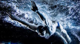 Das Training der Schwimmprofis ist hart.