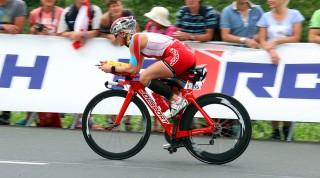 Bea auf dem Rad beim Ironman