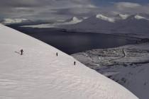 Freeriden in den Bergen Islands