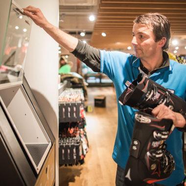 Individueller Skischuh Atomic Hawx