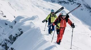 Skitoure ueber Grat mit Hagan Tourenskischuh