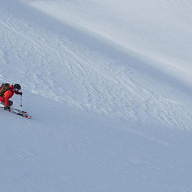 Skitouren-Abfahrt-Atomic-Backland