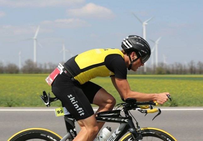 Markus Hinterberger am Rennrad beim Triathlon