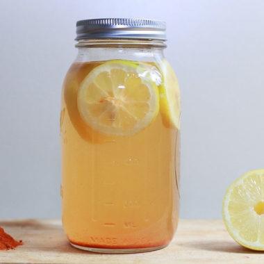 Zitronensaft im Einmachglas