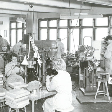 Suunto-Fabrik-1940-Produktion