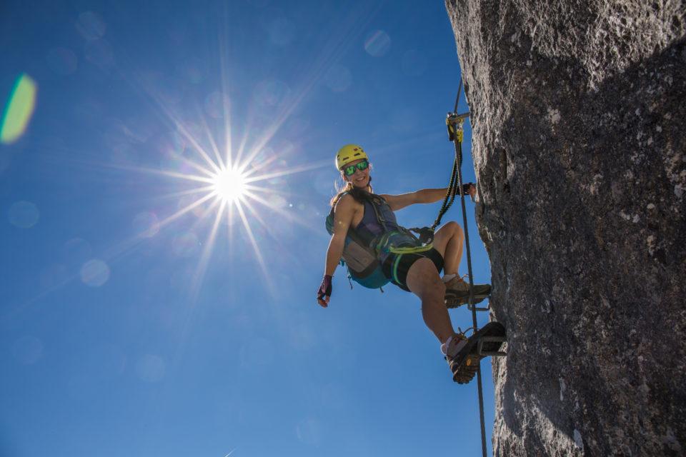 Klettersteigset Mit Gurt Verbinden : Klettersteigcamps achensee 2019