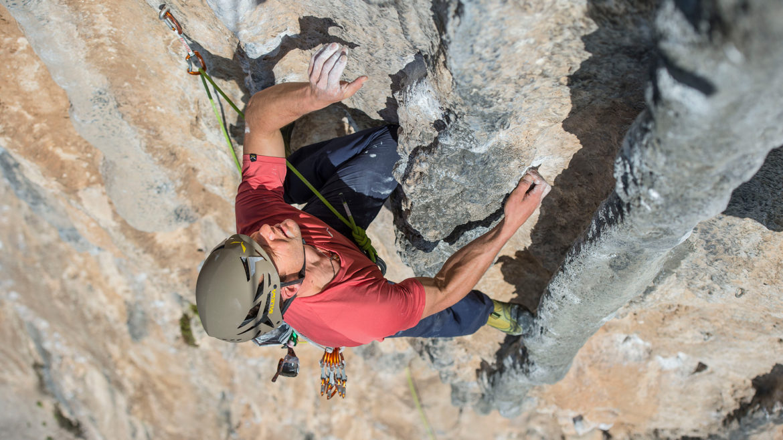 Kletterausrüstung Mehrseillängen : Kletterkurs am gardasee mehrseillängen tour arco guiders