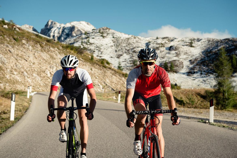 rennradfahrer-strasse-venetien