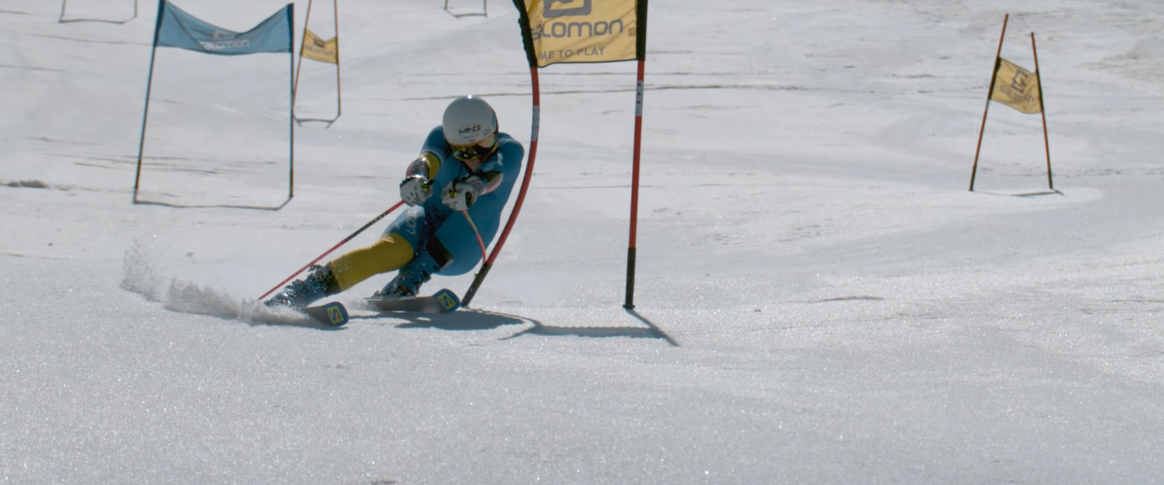 skifahrer gegen drohne