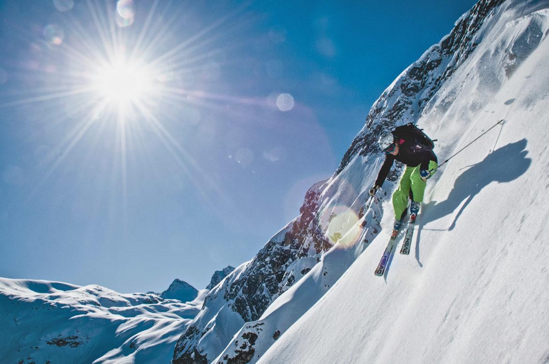 Piste Skifahrer Arlberg steile Abfahrt