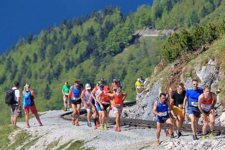 Läufergruppe Schafberglauf
