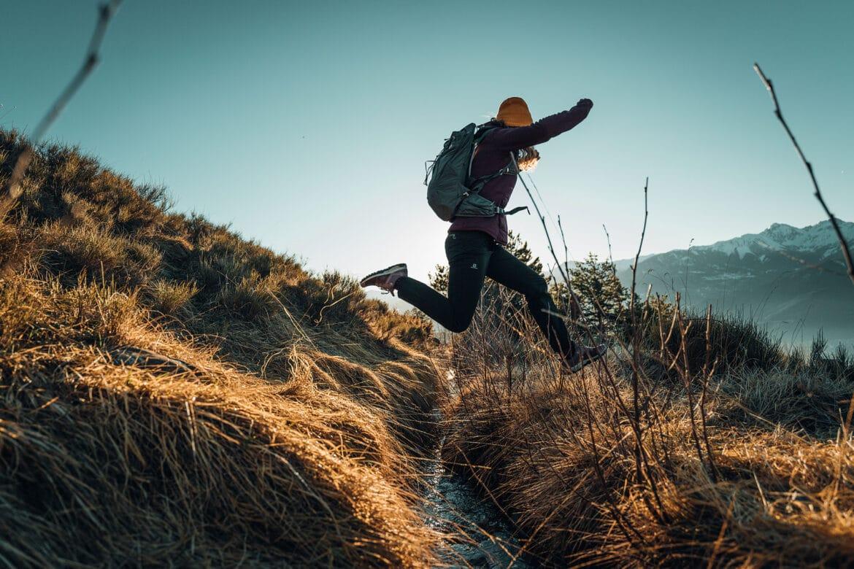 Women-Outdoor-Hiking