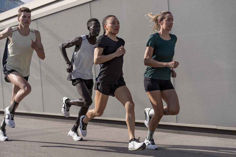 Läufer Gruppe mit On Cloudboom